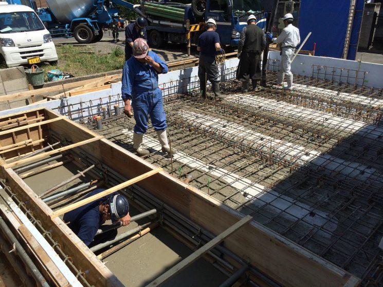 浮型枠にコンクリート打設