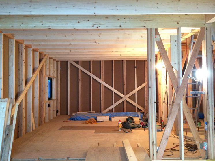 外壁下地と軸組