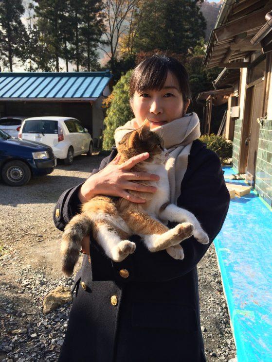 猫を抱く建築家の遠山
